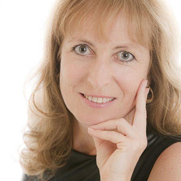 Dr. Irene Thiel